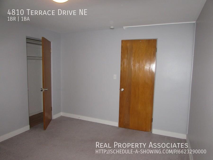 4810 Terrace Drive NE, Seattle WA 98105 - Photo 11
