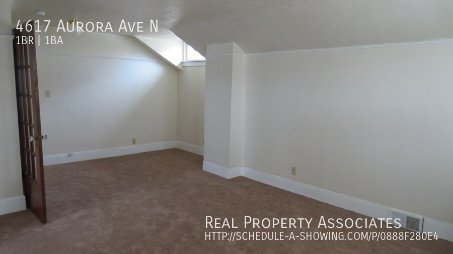 4617 Aurora Ave N, Seattle WA 98103 - Photo 7