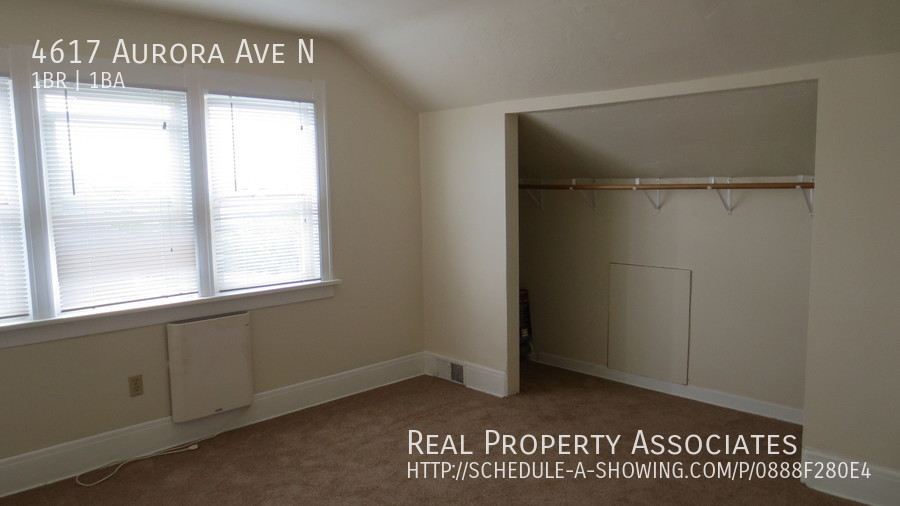 4617 Aurora Ave N, Seattle WA 98103 - Photo 13