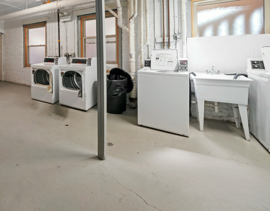 Laundry room %281%29