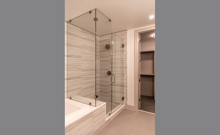 Gallery residences bath 4