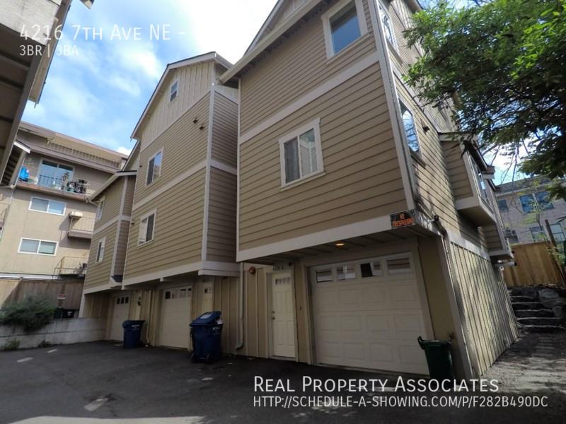 4216 7th Ave NE, Unit A, Seattle WA 98115 - Photo 1