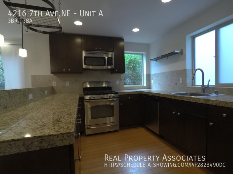 4216 7th Ave NE, Unit A, Seattle WA 98115 - Photo 3