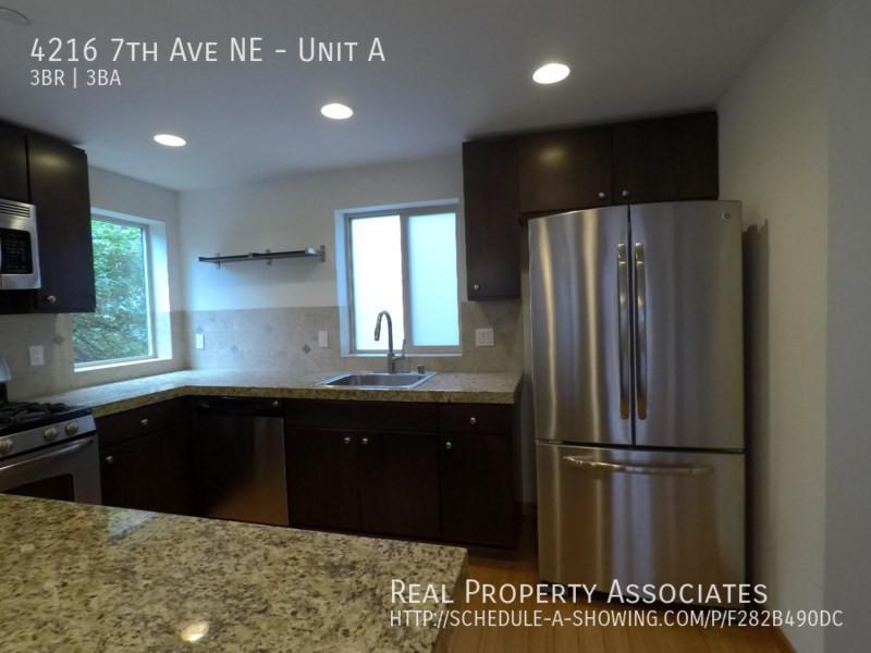 4216 7th Ave NE, Unit A, Seattle WA 98115 - Photo 4
