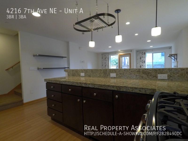 4216 7th Ave NE, Unit A, Seattle WA 98115 - Photo 6