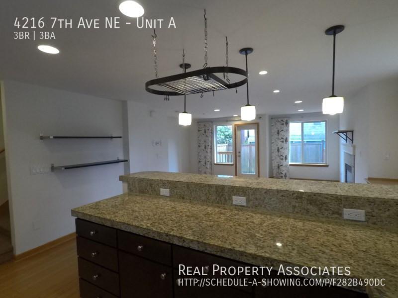 4216 7th Ave NE, Unit A, Seattle WA 98115 - Photo 8