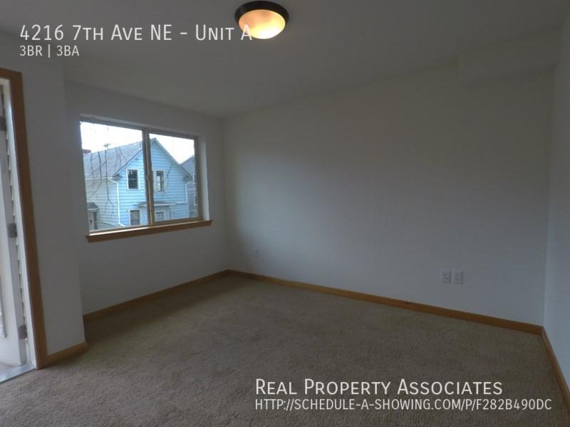 4216 7th Ave NE, Unit A, Seattle WA 98115 - Photo 10