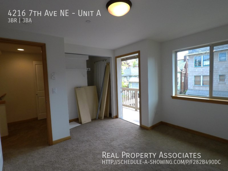 4216 7th Ave NE, Unit A, Seattle WA 98115 - Photo 11
