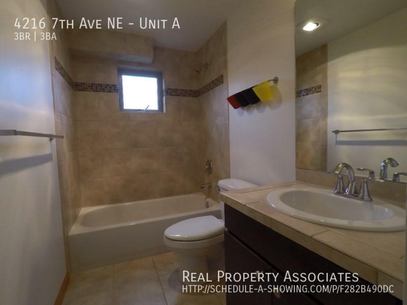 4216 7th Ave NE, Unit A, Seattle WA 98115 - Photo 12