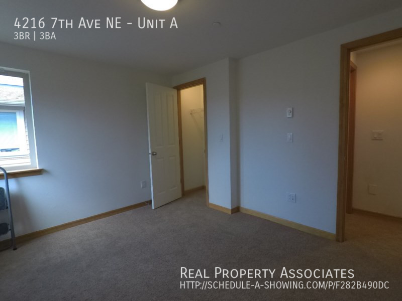 4216 7th Ave NE, Unit A, Seattle WA 98115 - Photo 13