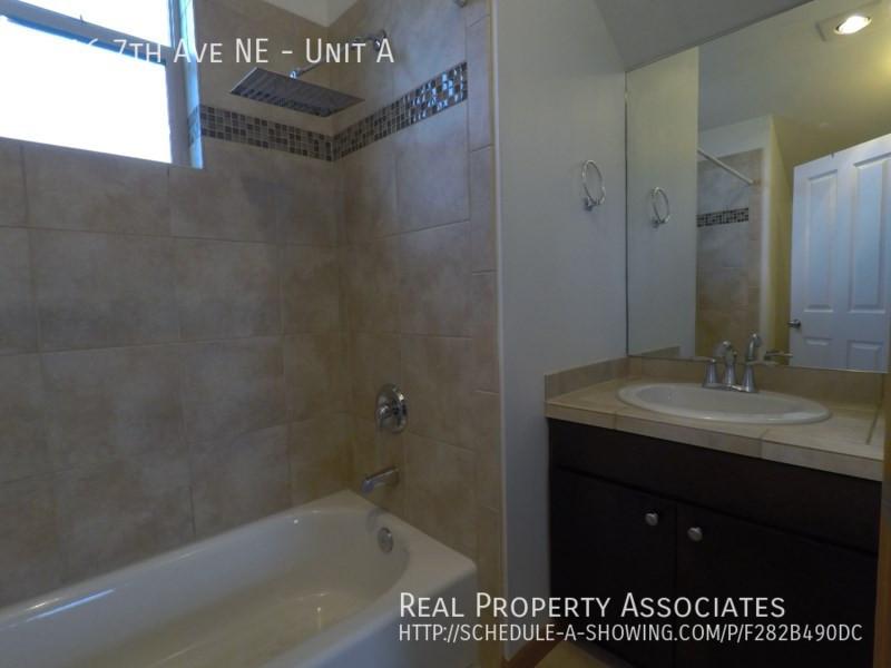 4216 7th Ave NE, Unit A, Seattle WA 98115 - Photo 17