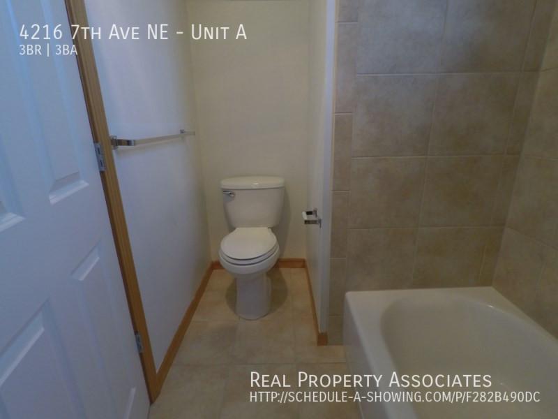 4216 7th Ave NE, Unit A, Seattle WA 98115 - Photo 18