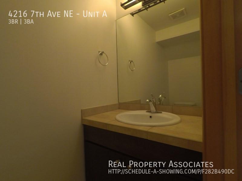 4216 7th Ave NE, Unit A, Seattle WA 98115 - Photo 21