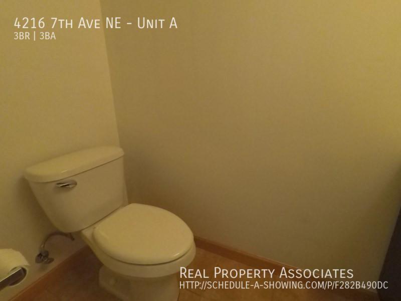 4216 7th Ave NE, Unit A, Seattle WA 98115 - Photo 22