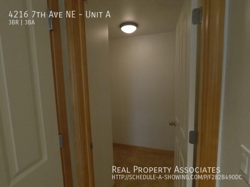 4216 7th Ave NE, Unit A, Seattle WA 98115 - Photo 23