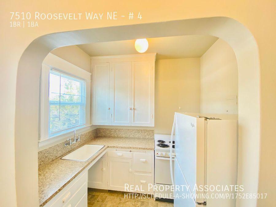 7510 Roosevelt Way NE, # 4, Seattle WA 98115 - Photo 3