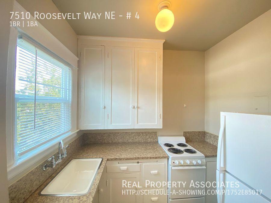 7510 Roosevelt Way NE, # 4, Seattle WA 98115 - Photo 4