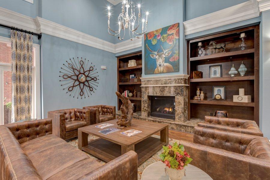 04la maison at river oaks lounge6
