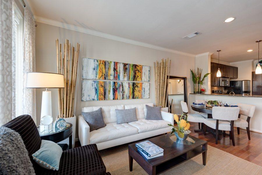 20la maison at river oaks living room1