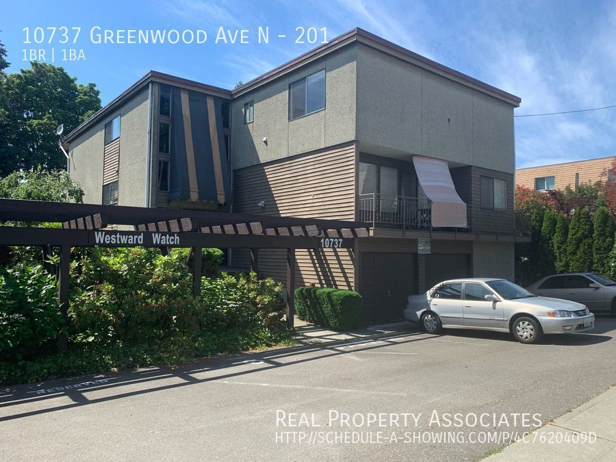 10737 Greenwood Ave N, 201, Seattle WA 98133 - Photo 1