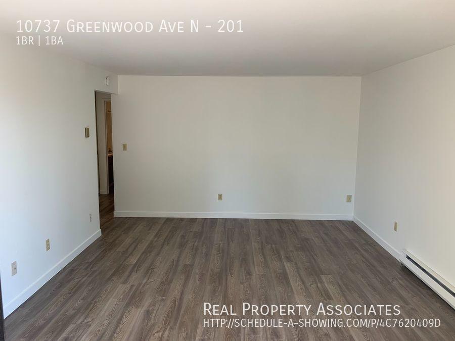 10737 Greenwood Ave N, 201, Seattle WA 98133 - Photo 4
