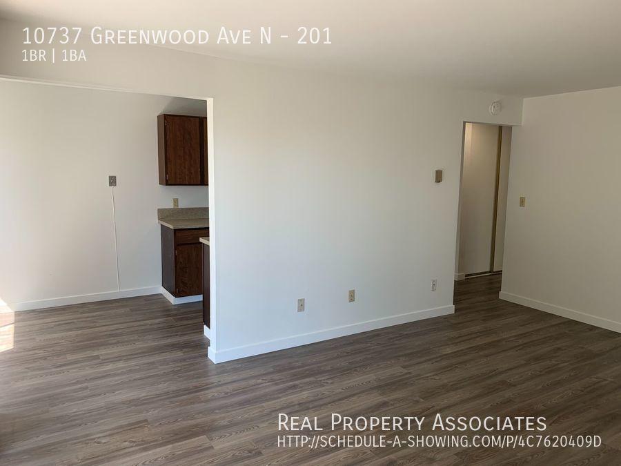 10737 Greenwood Ave N, 201, Seattle WA 98133 - Photo 5