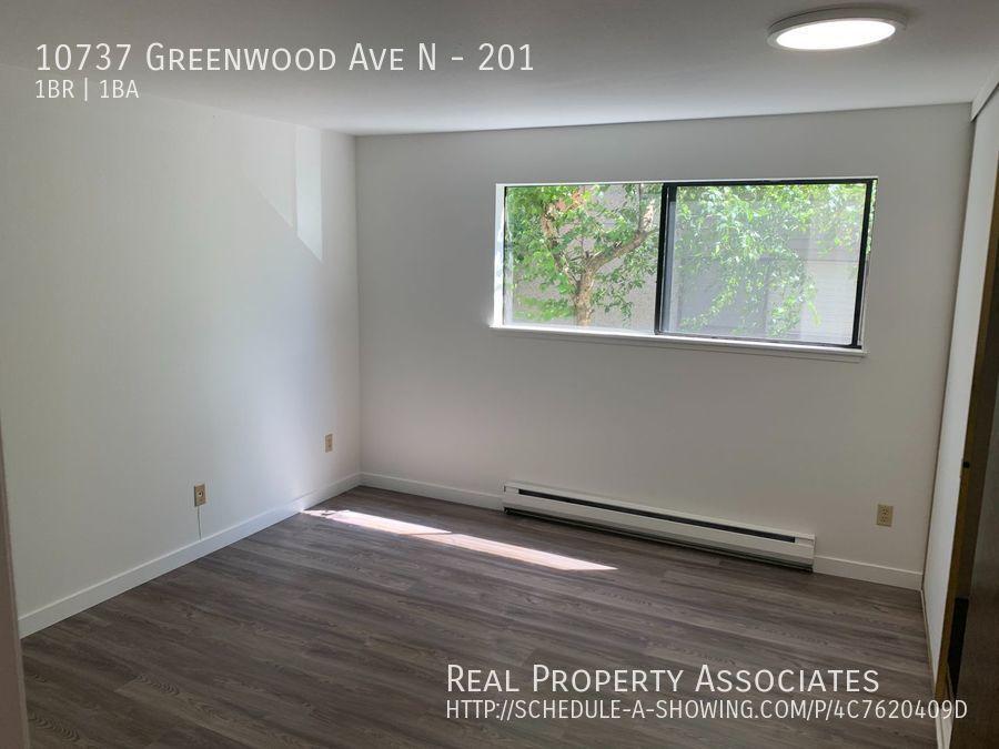 10737 Greenwood Ave N, 201, Seattle WA 98133 - Photo 11