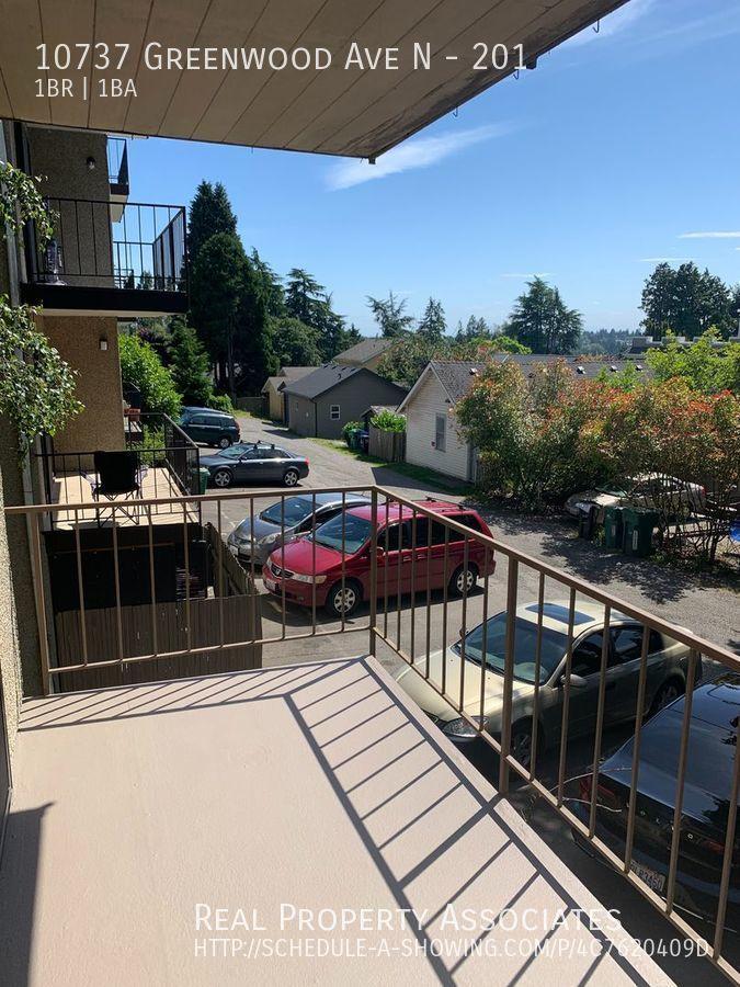 10737 Greenwood Ave N, 201, Seattle WA 98133 - Photo 12