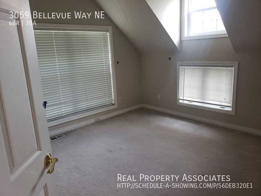 3059 Bellevue Way NE, Bellevue WA 98004 - Photo 17