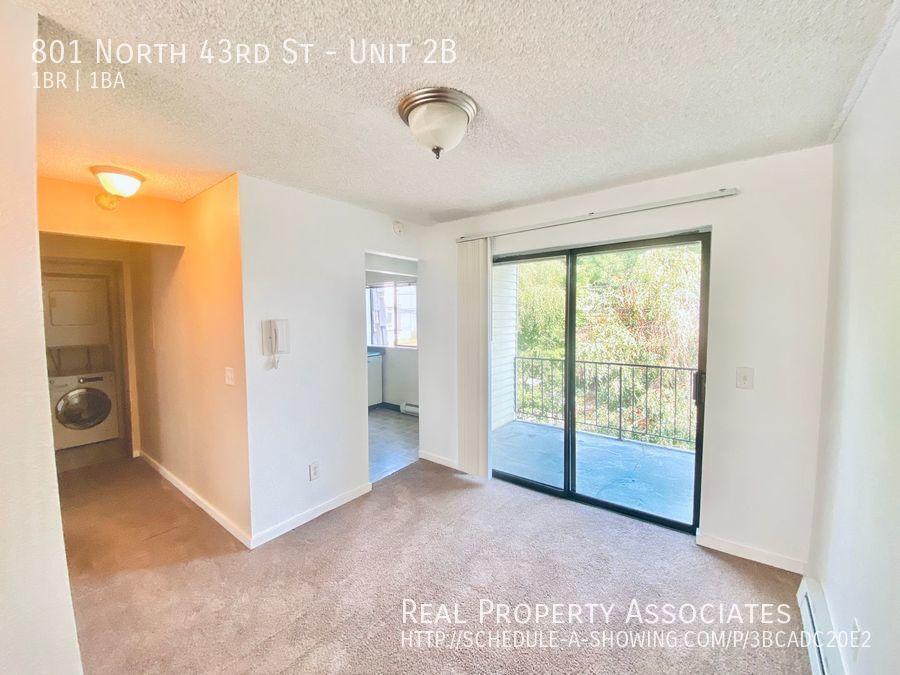 801 North 43rd St, Unit 2B, Seattle WA 98103 - Photo 2
