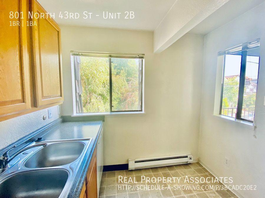 801 North 43rd St, Unit 2B, Seattle WA 98103 - Photo 8