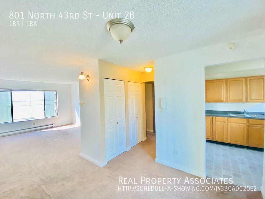 801 North 43rd St, Unit 2B, Seattle WA 98103 - Photo 12