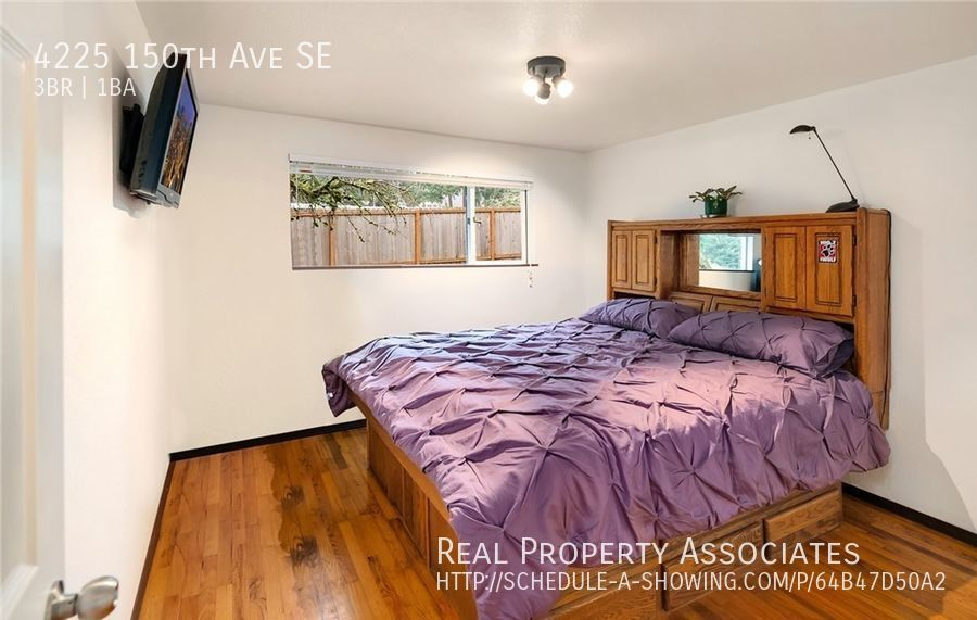 4225 150th Ave SE, Bellevue WA 98006 - Photo 4