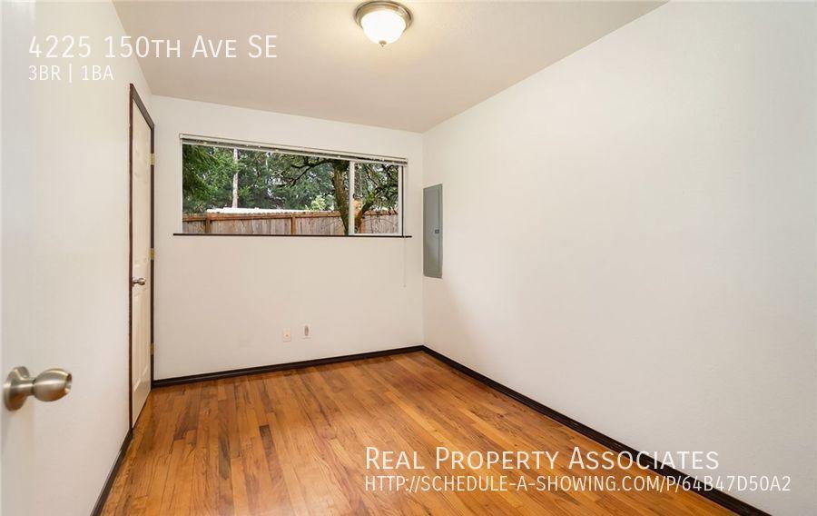 4225 150th Ave SE, Bellevue WA 98006 - Photo 5