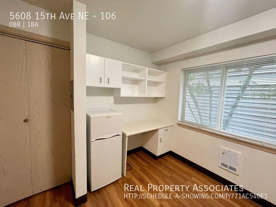 5608 15th Ave NE, 106, Seattle WA 98105 - Photo 2