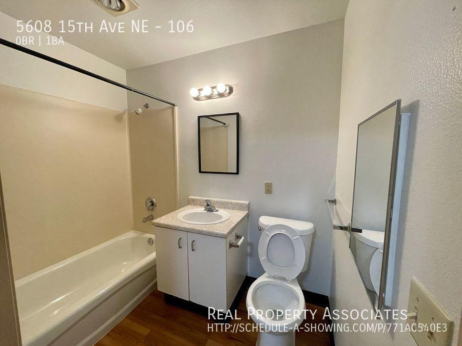 5608 15th Ave NE, 106, Seattle WA 98105 - Photo 3