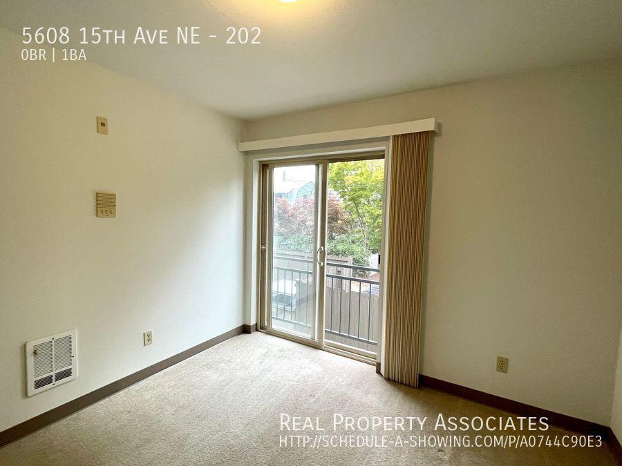 5608 15th Ave NE, 202, Seattle WA 98105 - Photo 3