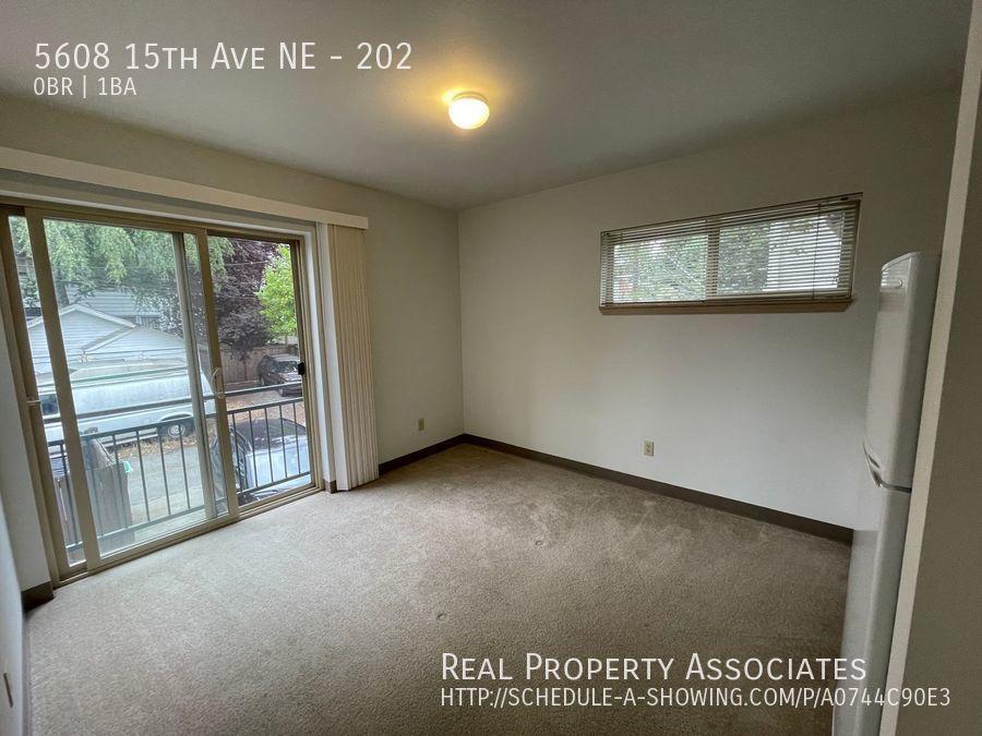 5608 15th Ave NE, 202, Seattle WA 98105 - Photo 5