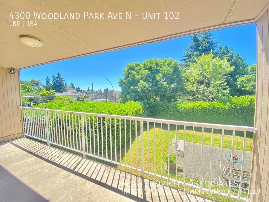4300 Woodland Park Ave N, Unit 102, Seattle WA 98103 - Photo 2