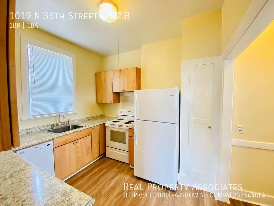 1019 N 36th Street, 1/2.B, Seattle WA 98103 - Photo 3