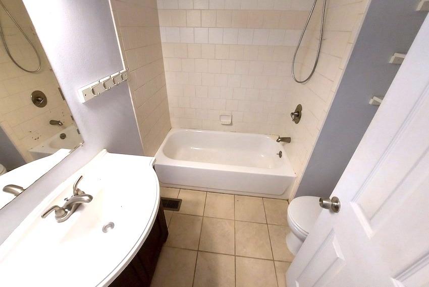 27480443 bathroom   upstairs