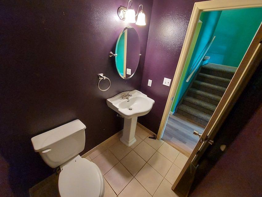 27480439 bathroom   main level %282%29