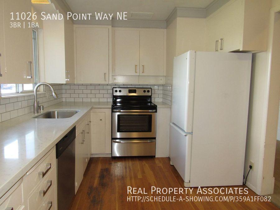 11026 Sand Point Way NE, Seattle WA 98125 - Photo 2
