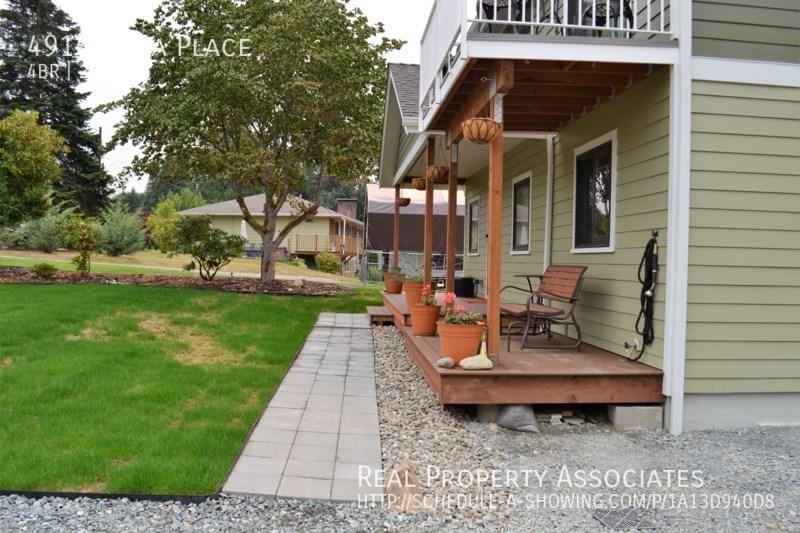 4916 Vista Place, Everett WA 98203 - Photo 2