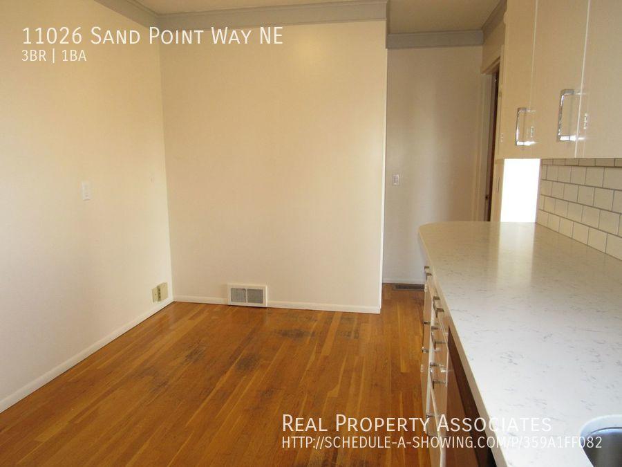 11026 Sand Point Way NE, Seattle WA 98125 - Photo 3