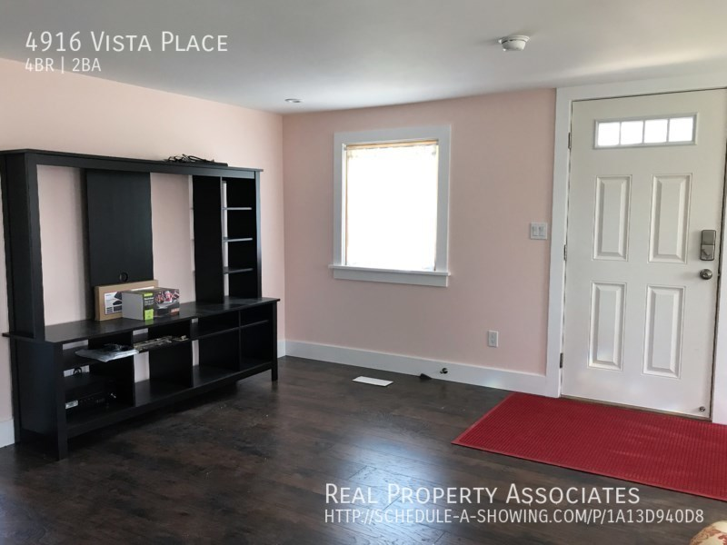 4916 Vista Place, Everett WA 98203 - Photo 3