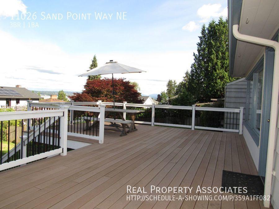 11026 Sand Point Way NE, Seattle WA 98125 - Photo 9