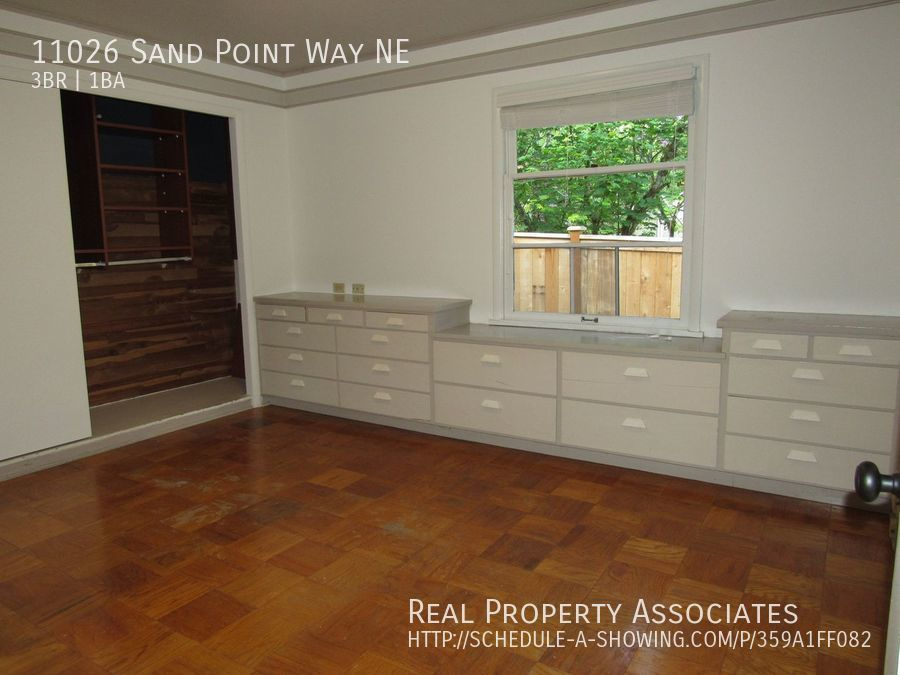 11026 Sand Point Way NE, Seattle WA 98125 - Photo 20