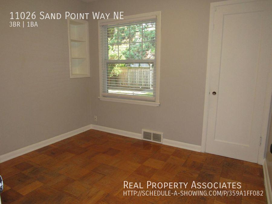 11026 Sand Point Way NE, Seattle WA 98125 - Photo 21