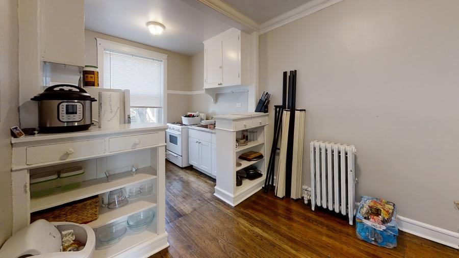 309 beloit kitchen